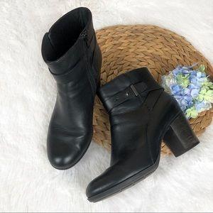 Clarks Black Heeled Boots w Side Zipper 8.5